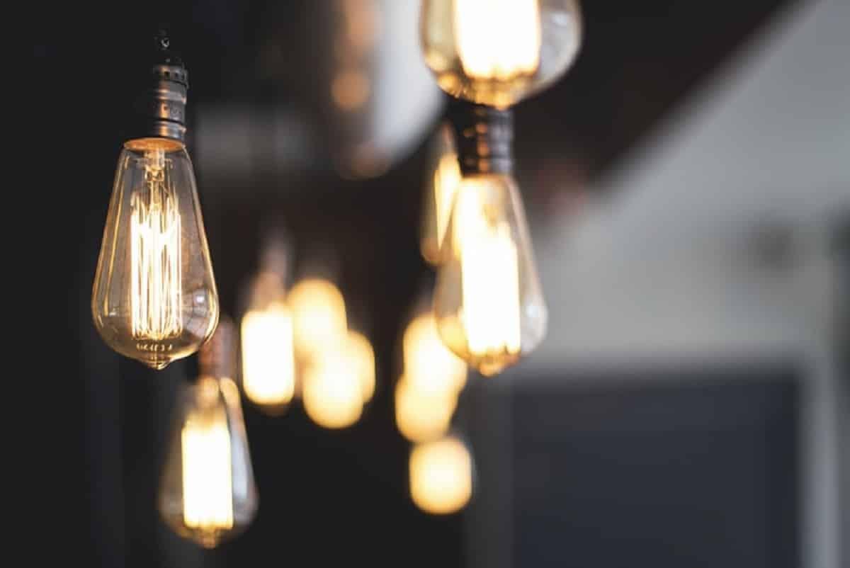 Best Types of Lightbulbs for Bathrooms